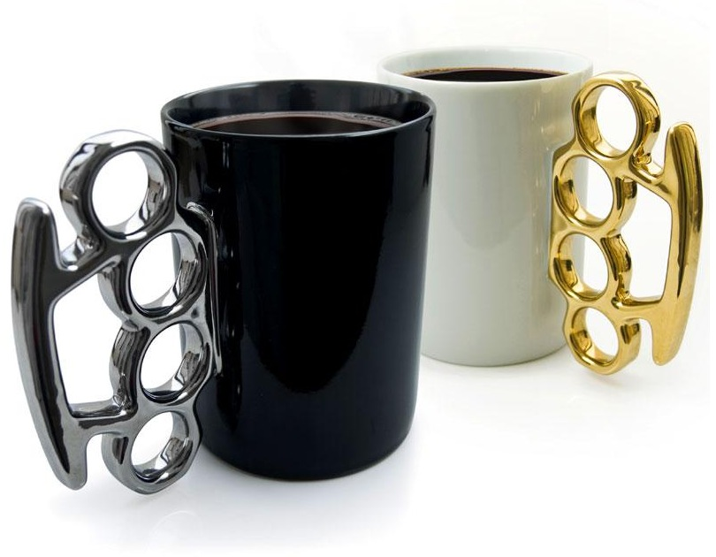 Schlagring Kaffeebecher in Silber/Schwarz oder Gold/Weiß