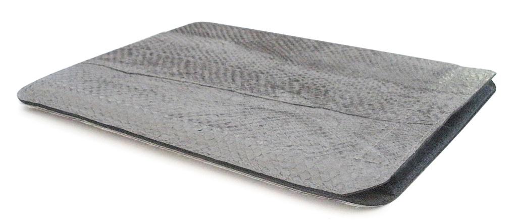Teuer und schön, die Red Maloo iPad Lachsleder Hülle für 189,- Euro