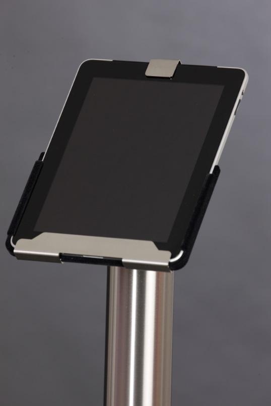 Das iPad lässt sich um 360 Grad im Ständer drehen.