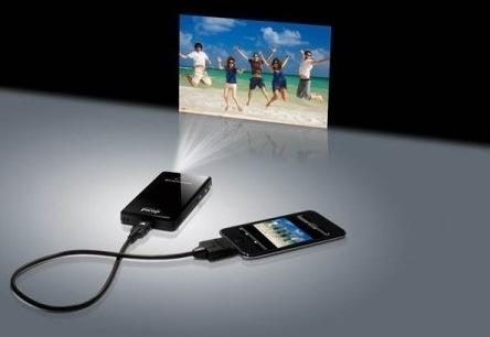 Der Microvision Showwx+ Laserbeamer für iPad und iPhone