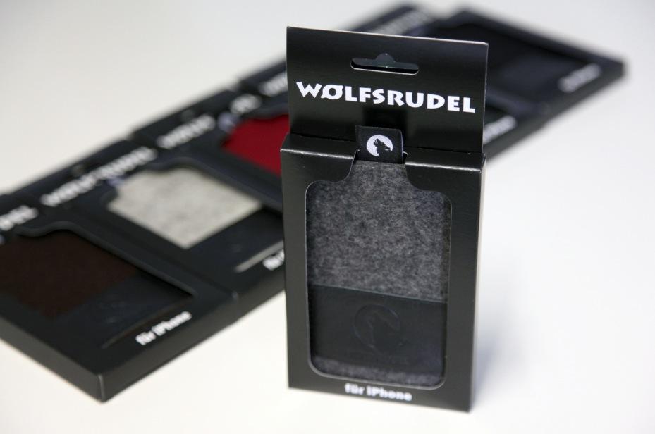 Wolfsrudel iPhone Hüllen in neuer Umverpackung