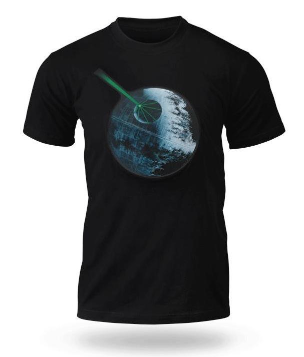Das Star Wars Todesstern T-Shirt mit Licht und Soundeffekten