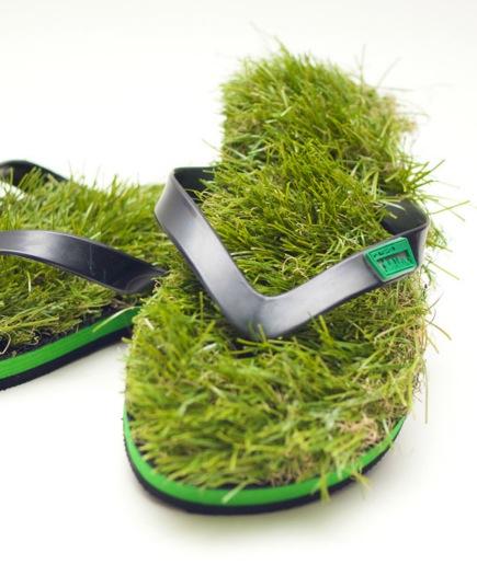 Kusa Flip Flops mit Gras