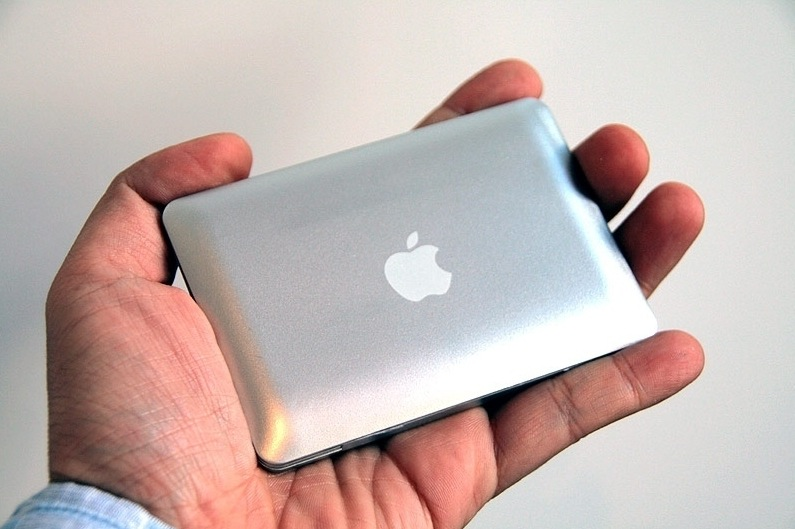 Sogar mit Apple Logo, auweia...