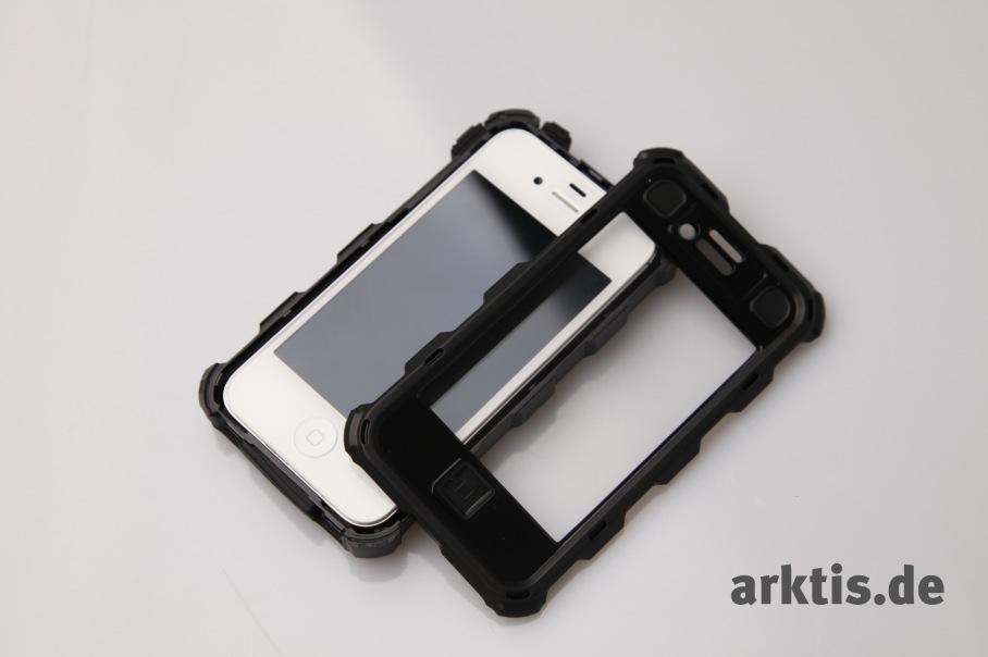 Erstmal in der Hülle integriert bekommt man das iPhone gar nicht mehr so leicht aus der Hülle heraus.