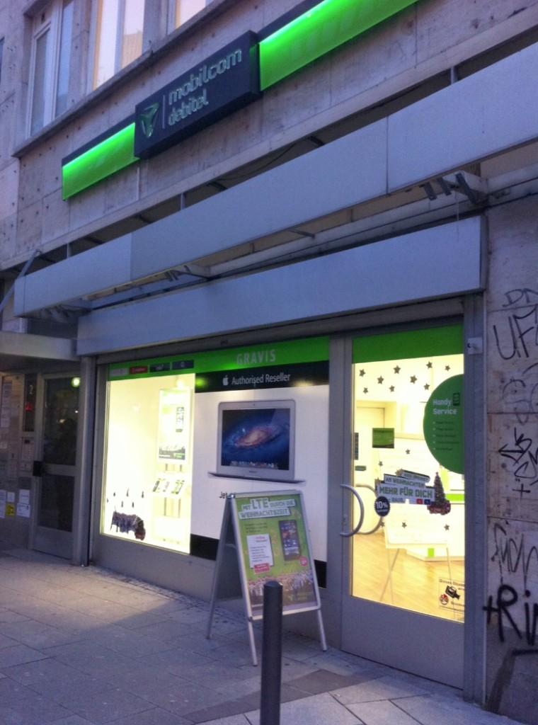 Update: Die ersten Mobilcom Shops tragen Apple Reseller Logos!