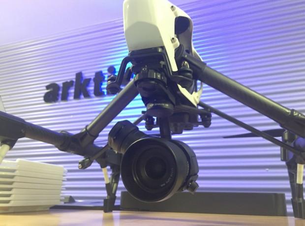 DJI Inspire Pro Drohne mit Zenmuse X5 Kamera Gimbal