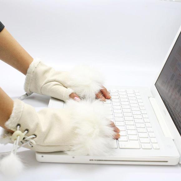 Der letzte Schrei: Beheizte USB-Fellhandschuhe