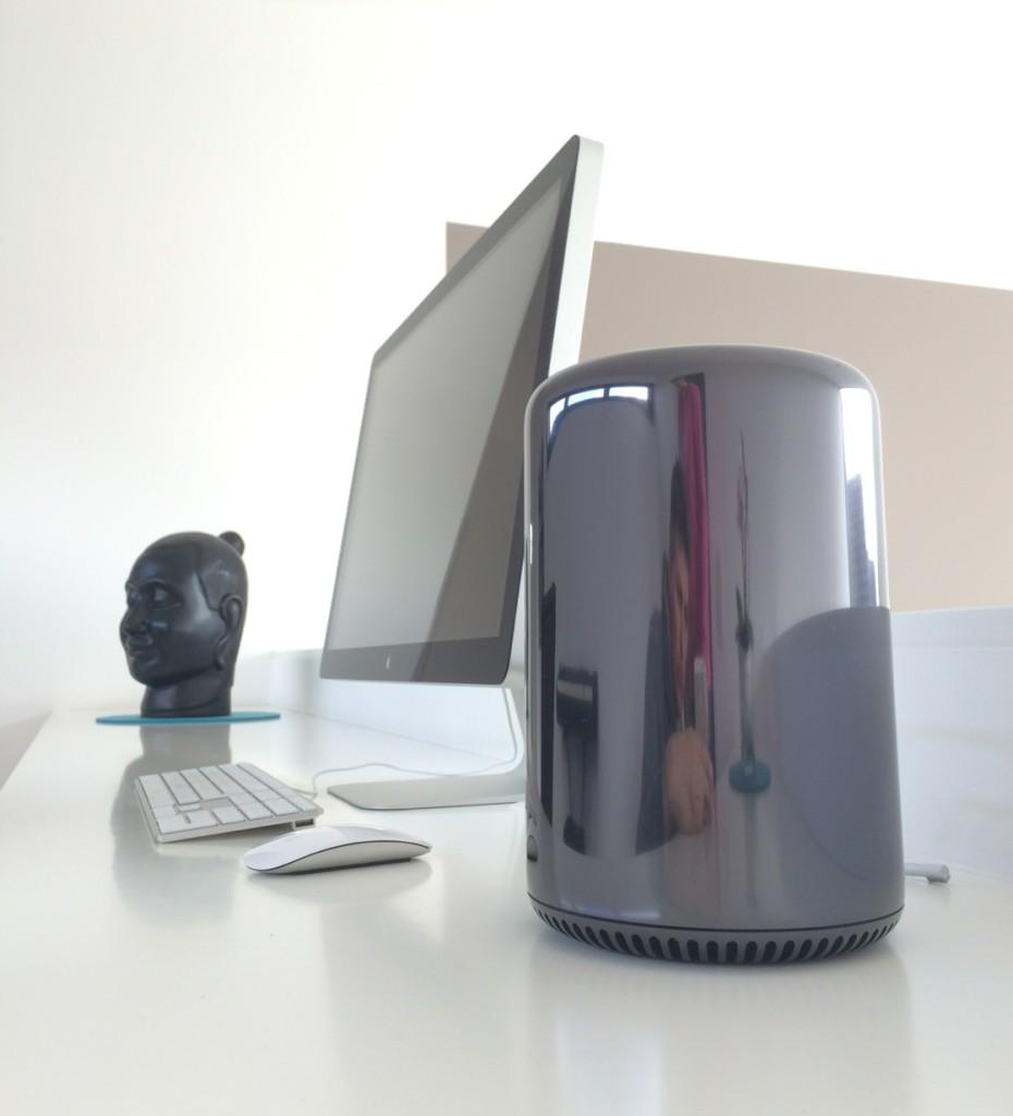 Filmschnittplatz bei arktis.de mit Apple Mac Pro