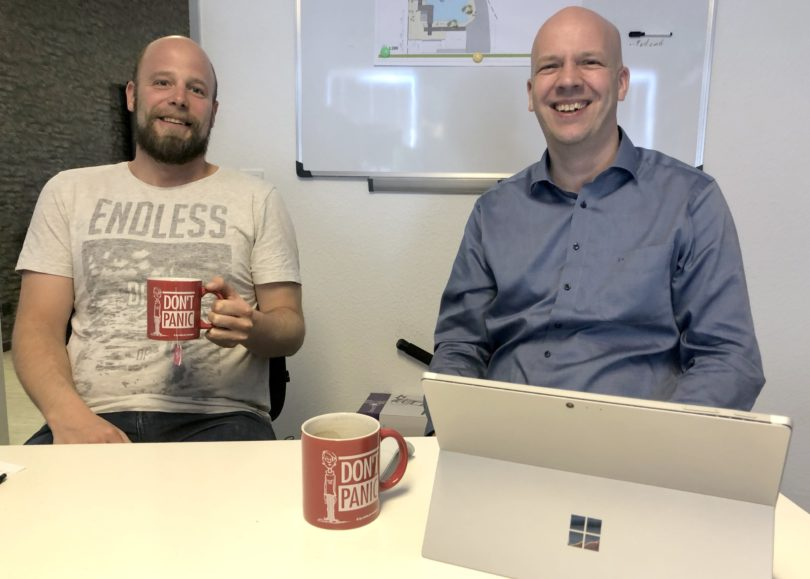 Unser neuer Datenschutzbeauftragter Markus Eltermann (rechts) im Meeting mit Kollege Dirk Schäfer. Don´t Panic!