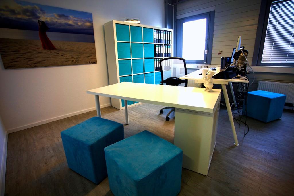 Endlich ein neuer Fußboden im Büro!
