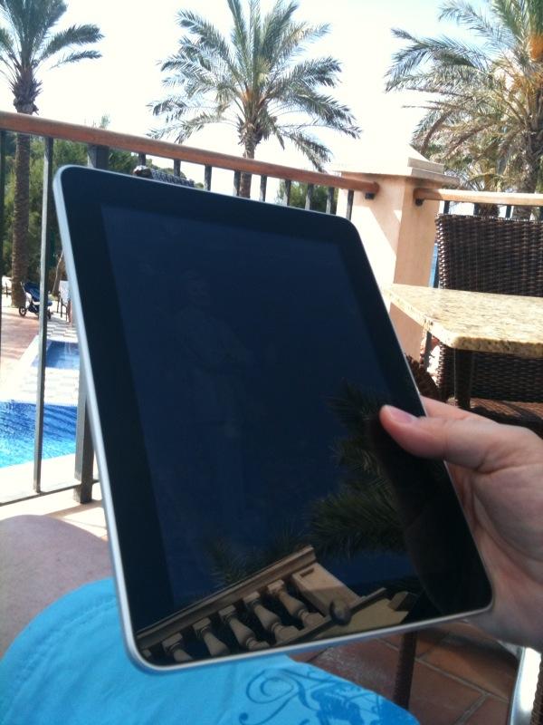 Spieglein, Spieglein am Strand, ist das ein iPad in meiner Hand? ;-)