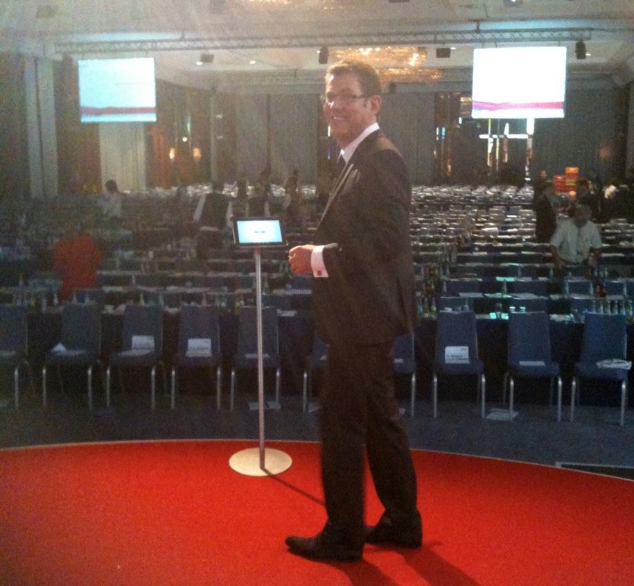 Sir James als iPad Rednerpult