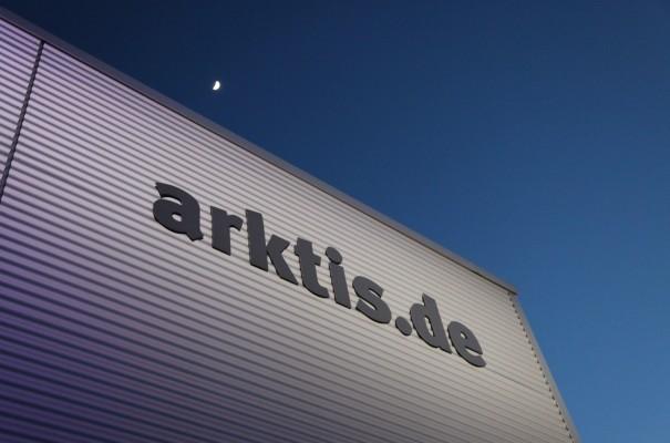 Langsam wird es eng im arktis.de Logistikcenter in Rosendahl