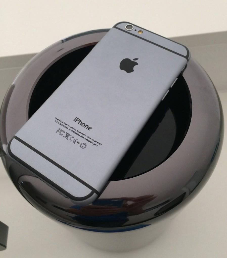 iPhone 6 Dummy auf echtem Apple MacPro