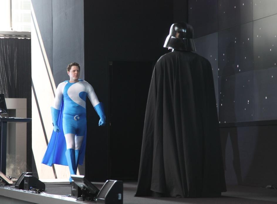 Shopman schlägt Darth A Vader in die Flucht