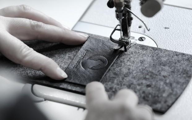 Wolfsrudel iPhone 5s Hülle in der Produktion