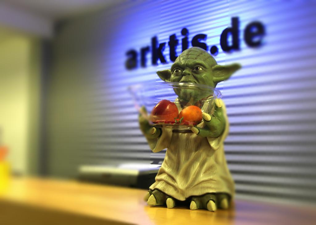 Yoda Süßigkeiten Halter bei arktis.de